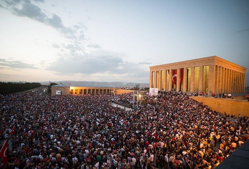 Anıtkabir'de 17 yıl sonra ilk konser