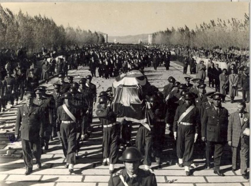 En anlamlı 10 Kasım Atatürk'ü anma mesajları
