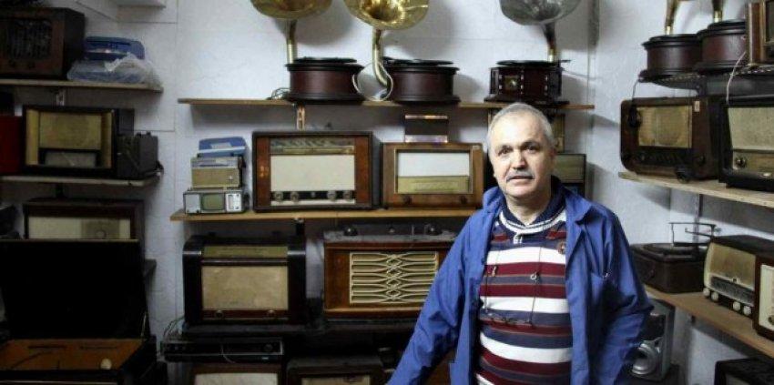 Bursalı usta asırlık radyolara can veriyor
