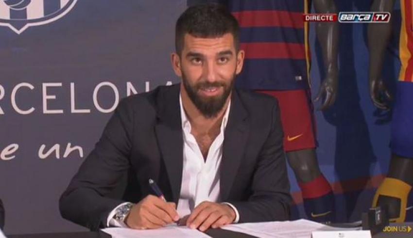 Arda Barcelona ile imzaladı