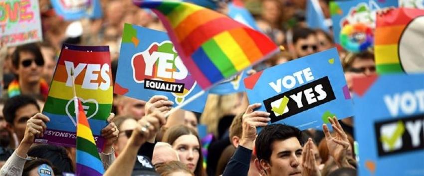 Avustralya'da eşcinsel evliliklerle ilgili oylama