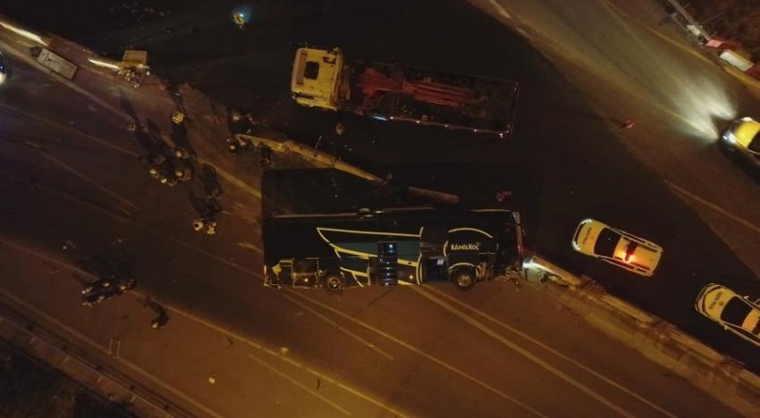 Bursa'da yolcu otobüsü devrildi! Ölü ve çok sayıda yaralı var