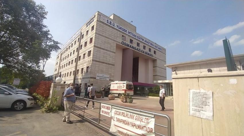Bursa'da virüs testi pozitif çıkan kadın hastanenin 4. katından atladı