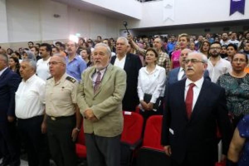 'Zafer Haftası' etkinliğinde İstiklal Marşı krizi