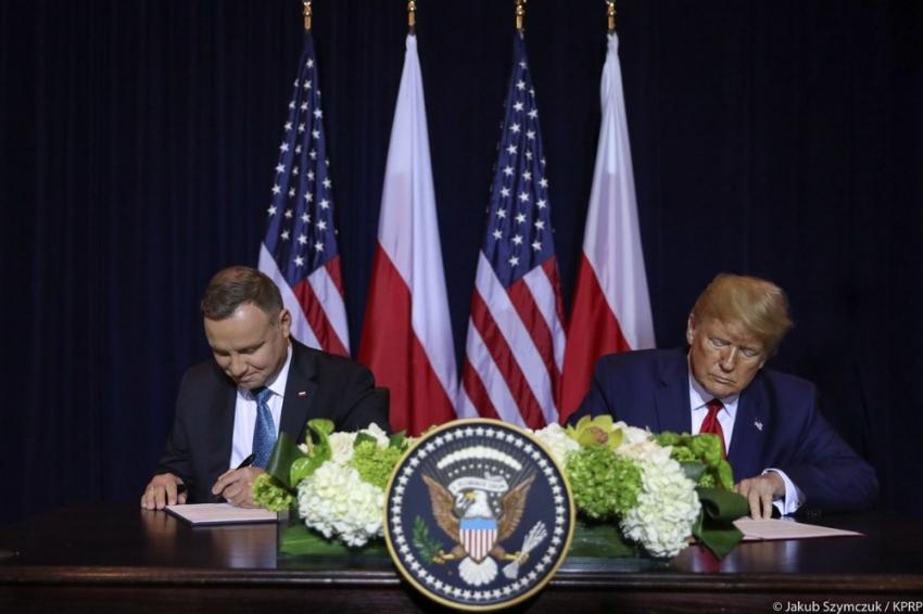 ABD, Polonya'daki asker sayısını 5 bin 500'e çıkaran anlaşmayı imzaladı