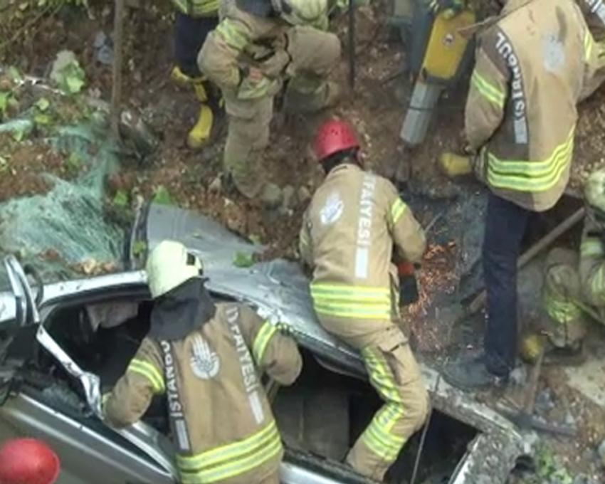 Başakşehir'de çöken duvarın altında bir kişinin cansız bedenine ulaşıldı