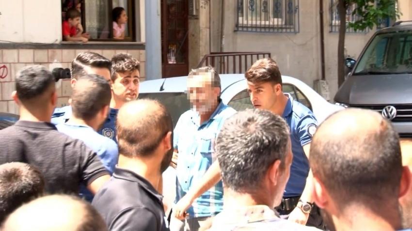 Sultangazi'de sahte ayakkabı imalathanesine baskın: 7 gözaltı