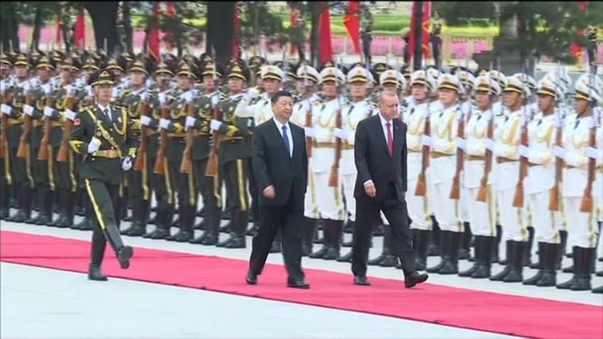 Erdoğan, Çin'de resmi törenle karşılandı