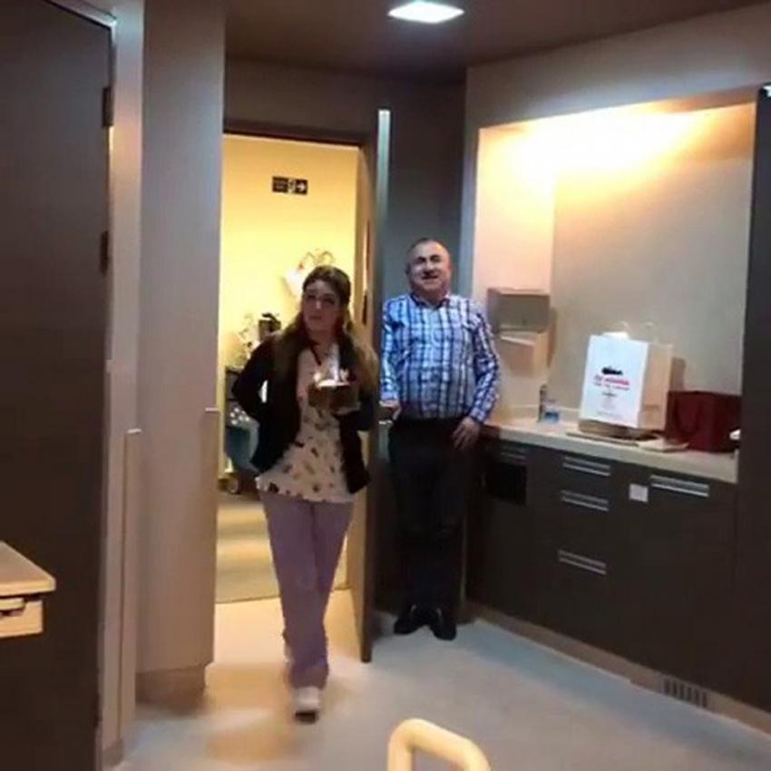 Mehmet Ali Erbil'in hastane odasında sürpriz doğum günü kutlaması