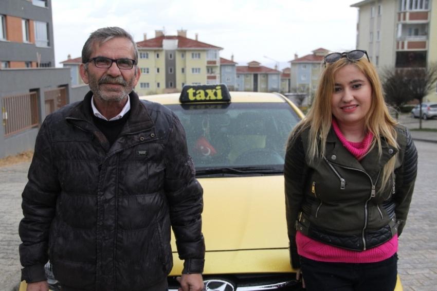 Babasına kıyamadı taksiciliğe başladı
