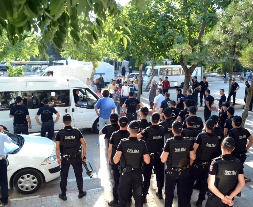 700 polisle huzur operasyonu: 44 gözaltı