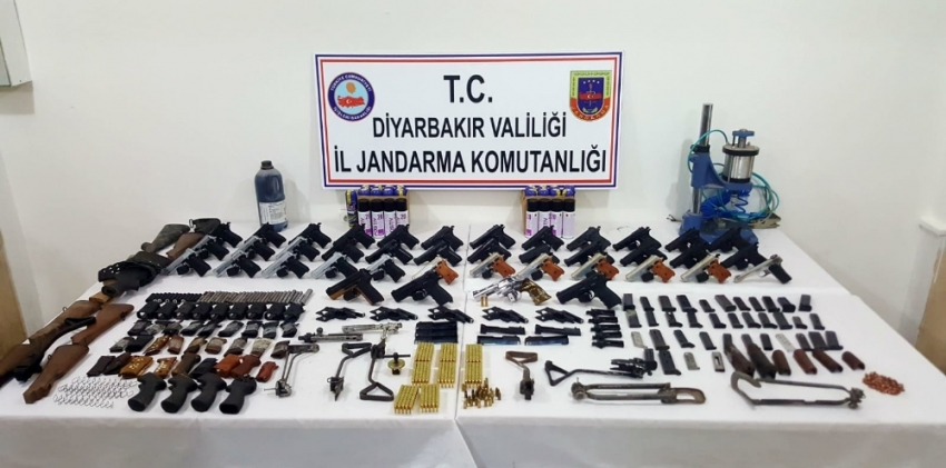 Jandarmadan silah kaçakçılarına darbe: 5 gözaltı