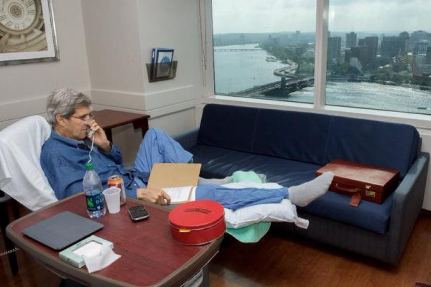 John Kerry istirahatte