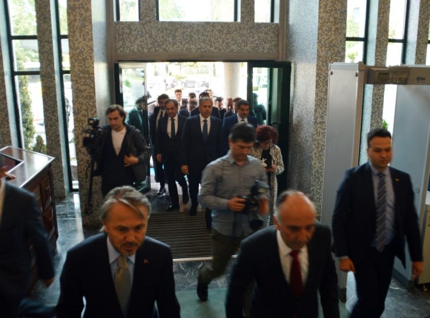 İstanbul Valisi Ali Yerlikaya İBB Başkanlık binasına geldi