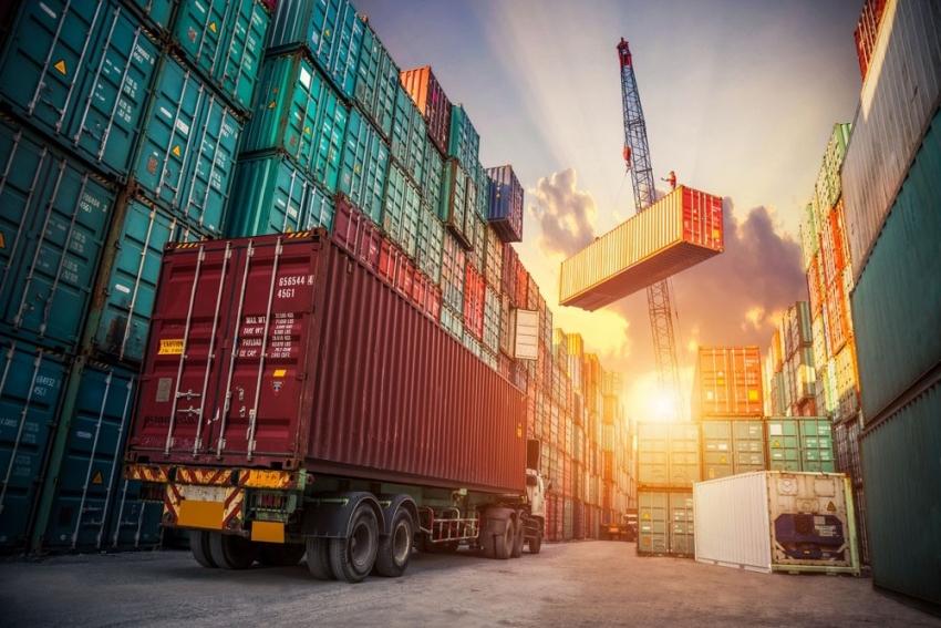 Avrupa Birliği ile dış ticaret açığı kapandı
