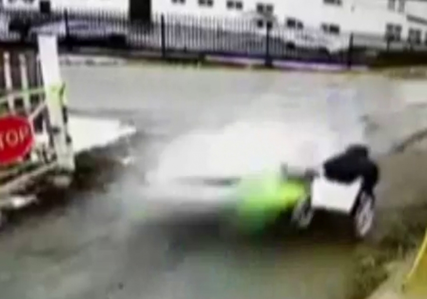 Rusya'da inanılmaz kaza kamerada
