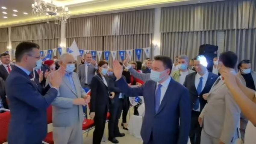 Babacan, partisinin İnegöl ilçe kongresinde konuştu