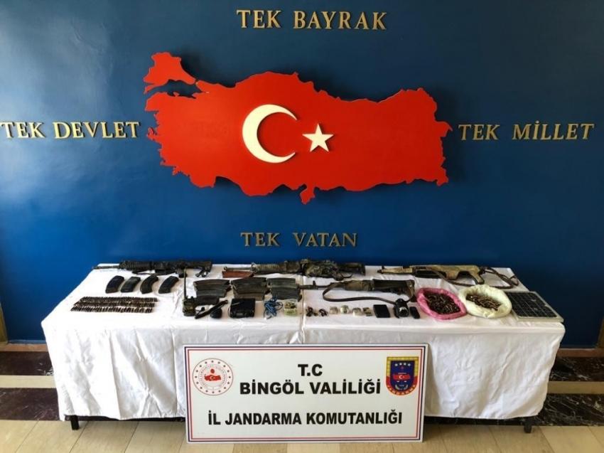 8 terörist öldürülmüştü: Çok sayıda mühimmat ele geçirildi