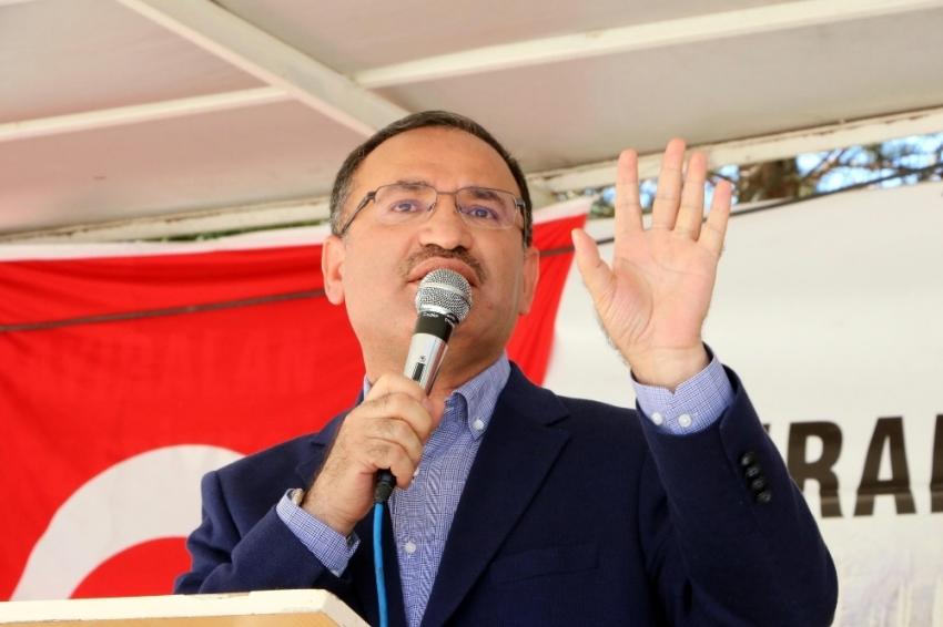 Bozdağ: CHP Adil Öksüz'leri karıştırmış