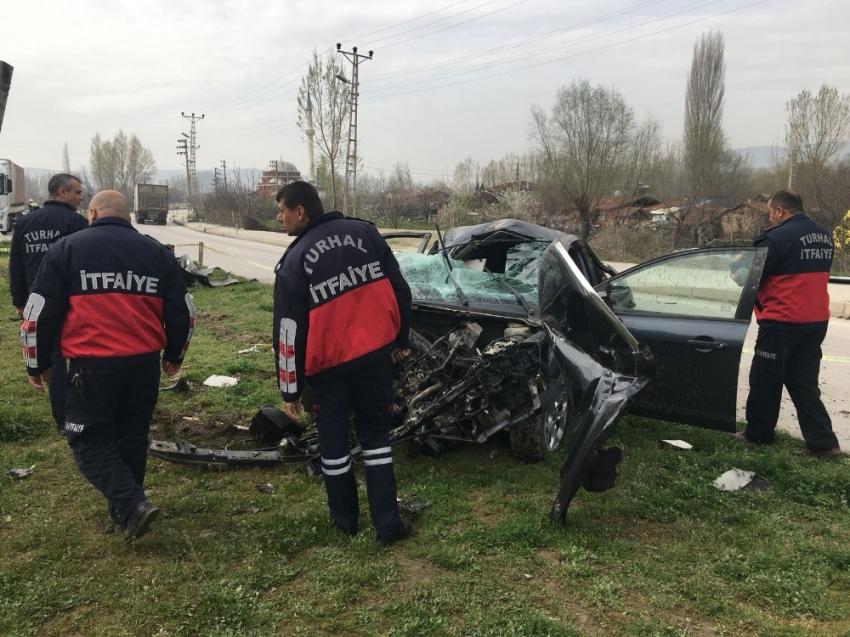 Bakan'ı korumakla görevli polisler kaza yaptı: 3 yaralı