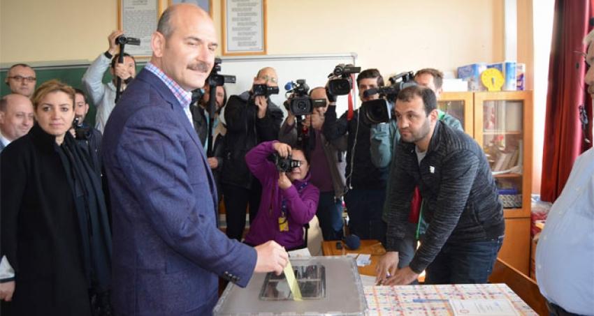 Soylu referandumda oyunu Trabzon'da kullandı