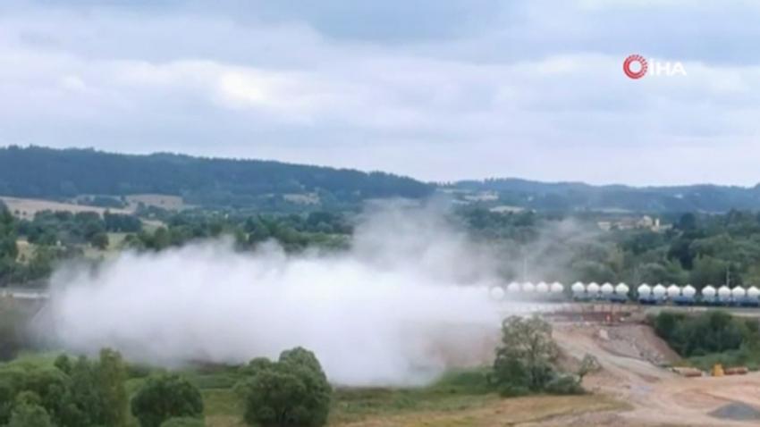 Kireç yüklü tren böyle devrildi