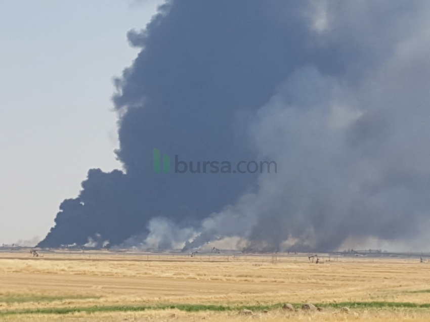 Suriye'de anız yangını petrol kuyularına sıçradı
