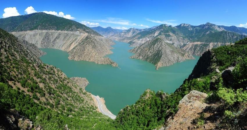 Türkiye'nin en yüksek barajından rekor üretim