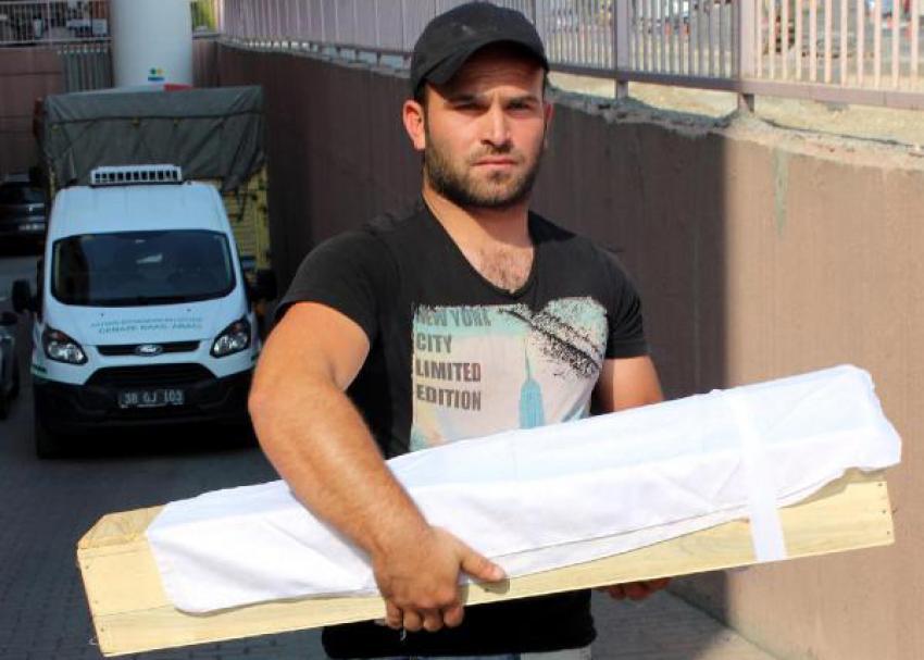 Kayseri'de 2 bebek, uykularında öldü