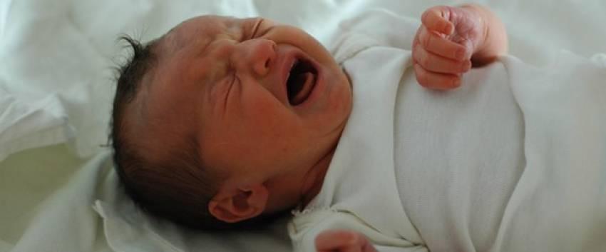 Bebeklerde kolik sorununa akupunktur tedavisi
