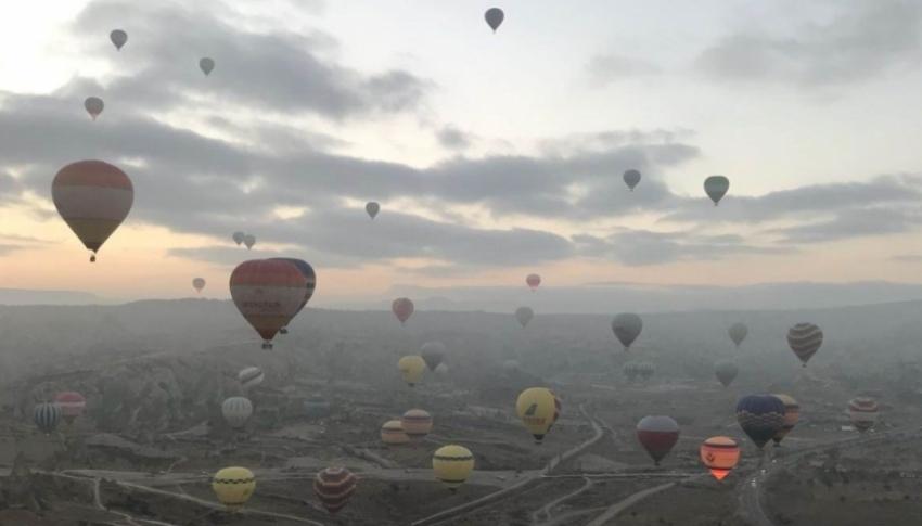 Kapadokya'da balon uçuş rekoru kırıldı