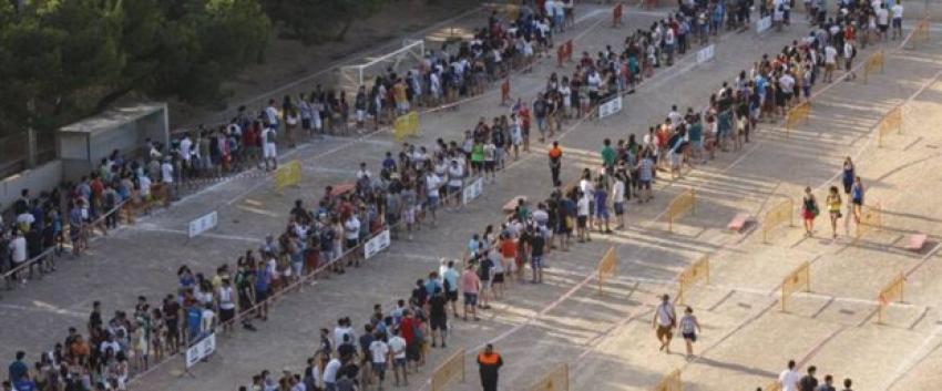 Binlerce kişi Game of Thrones için kuyrukta