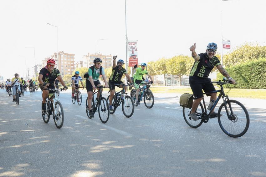 Bursa'da çevre ve barış için pedal çevirdiler