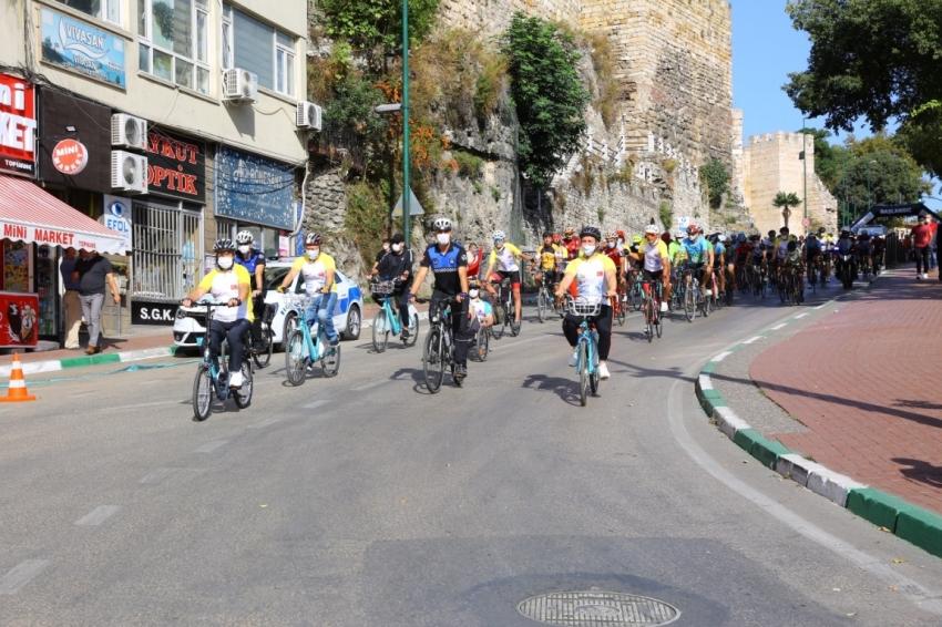Bursa'da temiz çevre için pedal çevirdiler