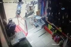 Bodrum'daki deprem anı güvenlik kamerasında