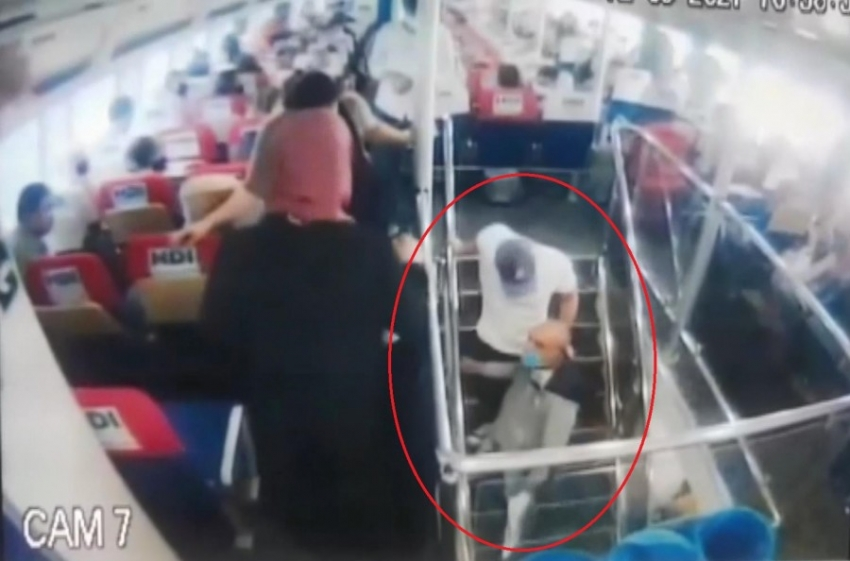 Bursa deniz otobüsünde taciz!