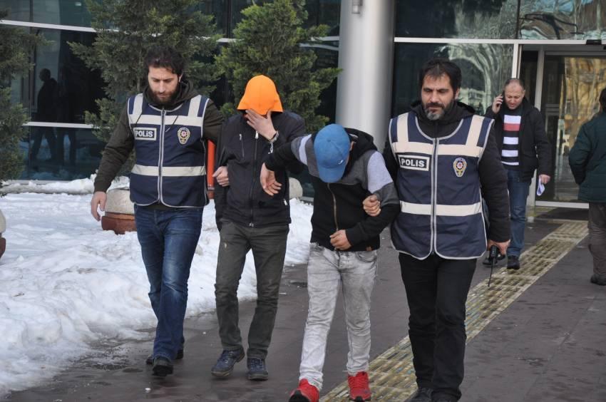 Gaspçı gençler tutuklandı