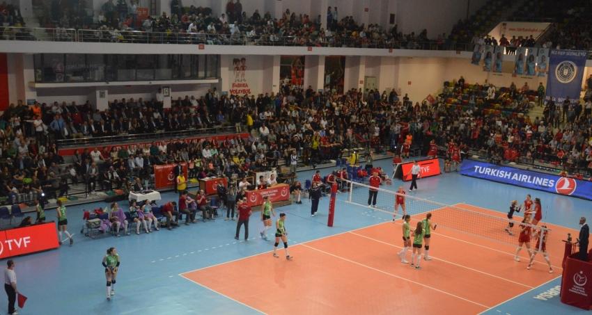 Bursa Büyükşehir Belediyespor 3-0 Olympiakos Piraues - CEV Challenge Cup Final 15.04.2017