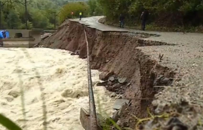 Gürcistan sular altında kaldı