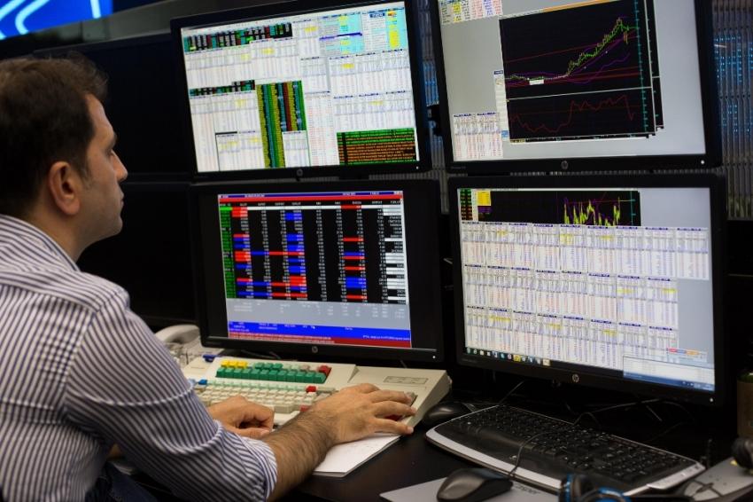 Borsa haftaya ekside başladı