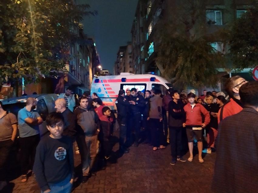 Bahçelievler'de korkutan apartman yangını: 5 kişi dumandan etkilendi