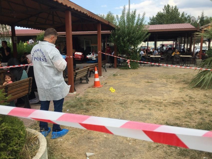 Hastane bahçesinde panik: Ortalık savaş alanına döndü