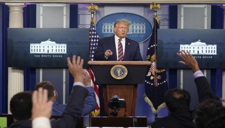 """Trump: """"Oy pusulaları ölülere hatta kedilere, köpeklere de gidiyor"""""""