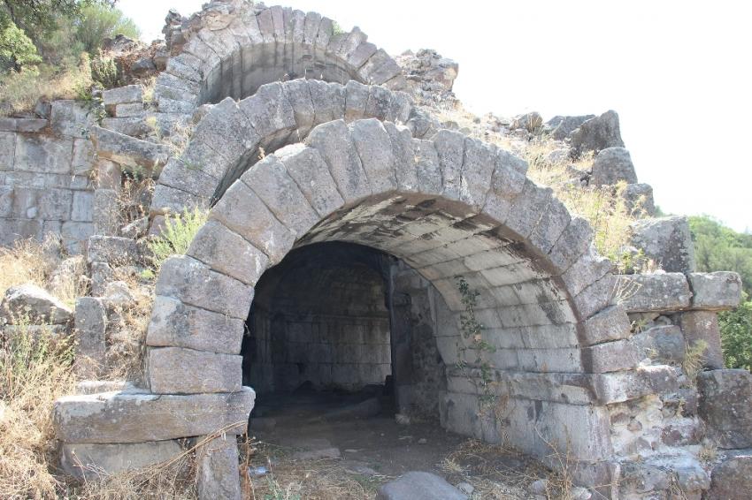 2 bin 200 yıllık yapı hayranlık uyandırdı