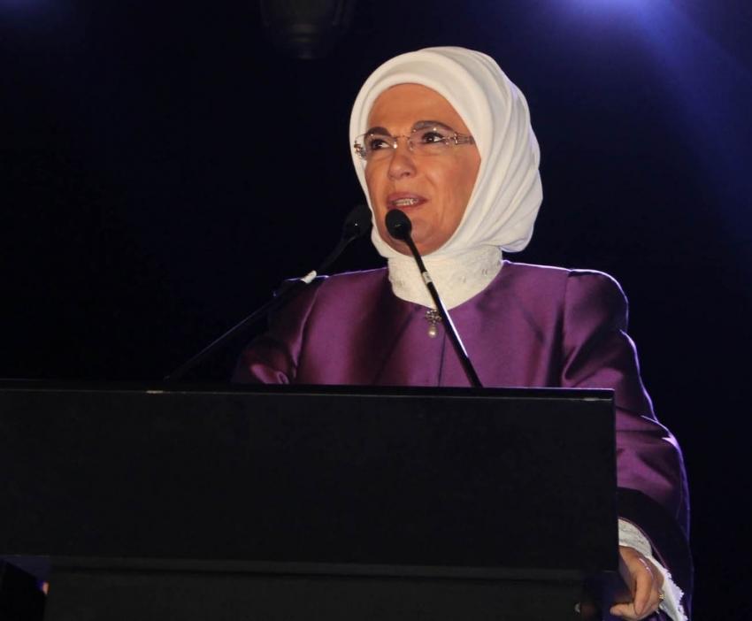 Emine Erdoğan gençlere seslendi