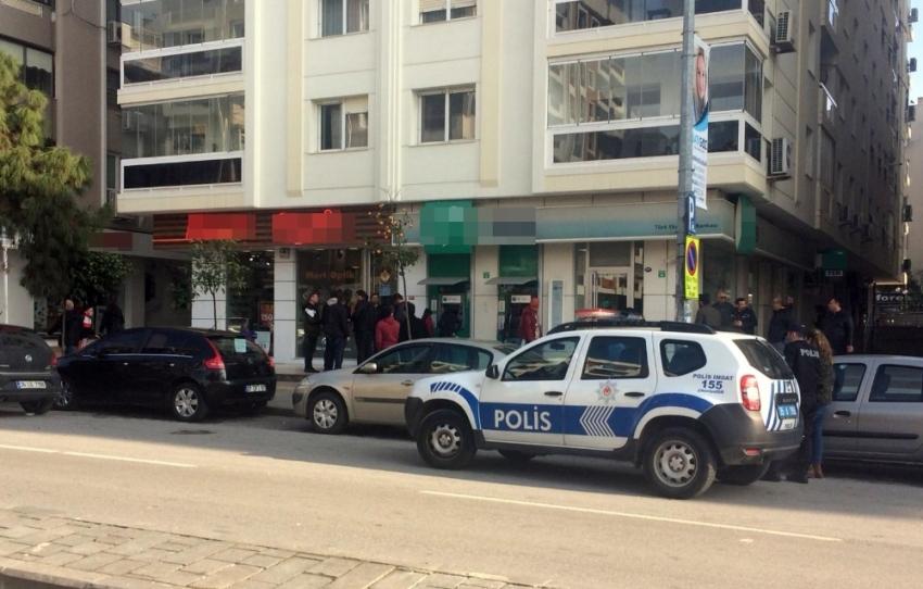 Kurusıkı tabancayla soygun: 50 bin lirayla kaçtı