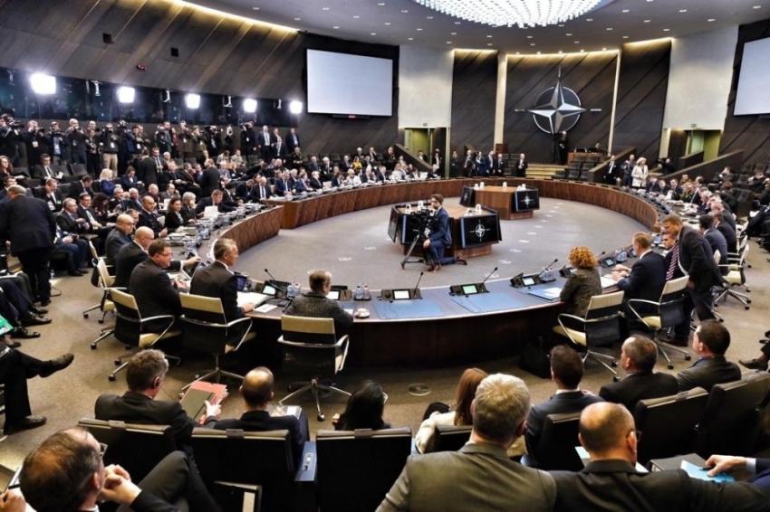 NATO Savunma Bakanları Toplantısı'nın 2'nci oturumu başladı