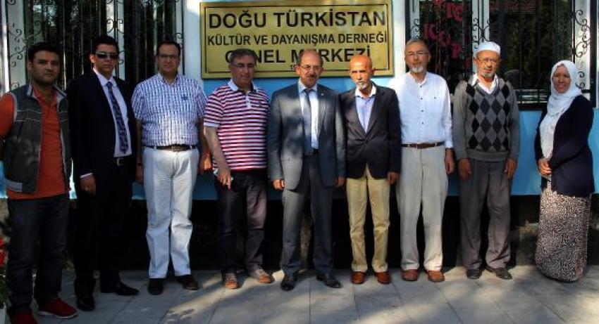 Ak Partili Tekden'den Doğu Türkistanlılara  ziyaret