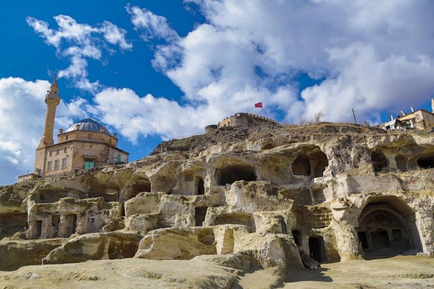Dünyanın en büyük yeraltı şehri turizme kazandırılıyor