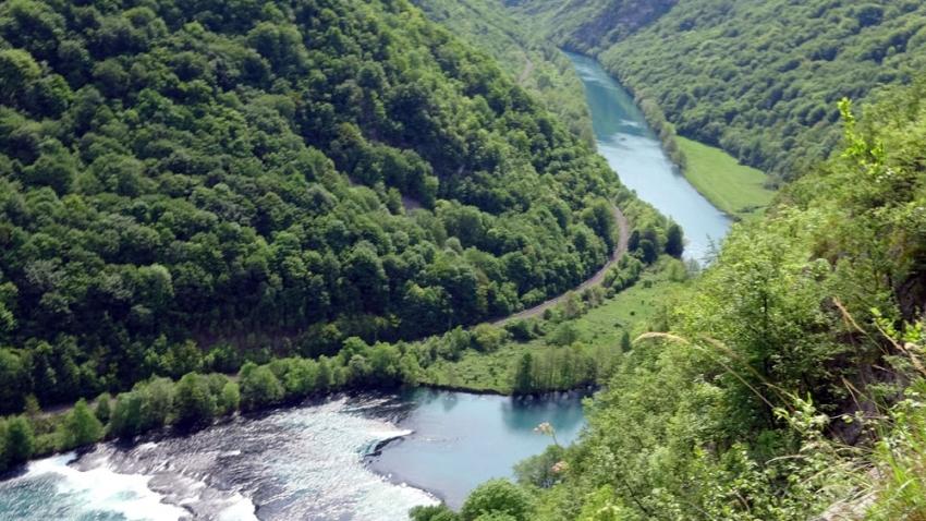 Bosna-Hersek'te ilkbahar güzelliği